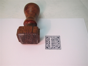 Picture of Rubber capital letter stamp (classic)